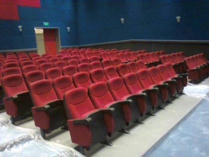 كراسى قاعات سينما و تدريب و محاضرات و مسرح