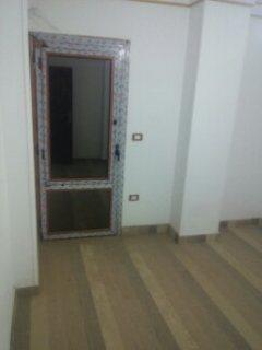 شقة للبيع 80م 2غرف وصالة ب180000ج قريب من فيصل
