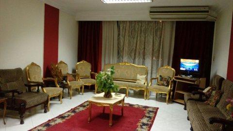 تعالى شوف شقة مفروشة للايجار بجانب ميركاتو مول