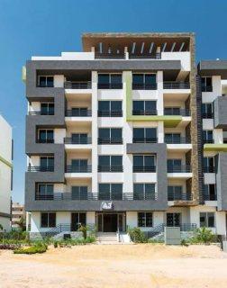شقة بارقي كمبوند ب#6اكتوبر خلف جامعة زويل وبالقرب من مول مصر ومدنية ال