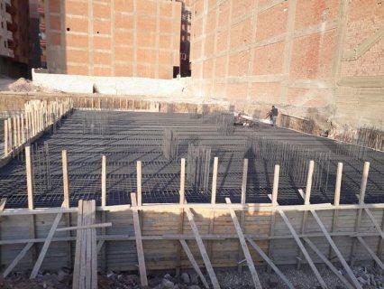 شقة 141م كاملة المرافق علي شارع 24م بمجمع ابراج بجنينة خاصة و قسط حتي 5 سنوات