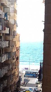 شقه للبيع سيدى بشر ترى البحر 150 متر موقع مميز