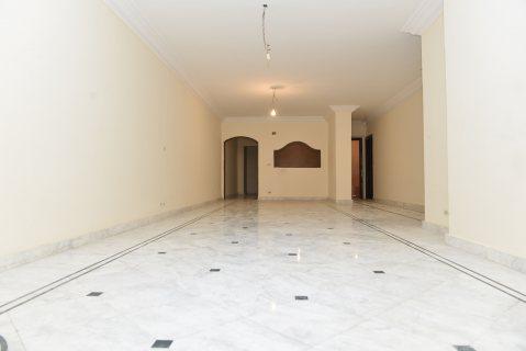 ارقي مناطق الاسكندرية-لوران علي شارع ابو قير الرئيسي مباشرة
