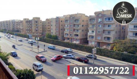 شقة بالحى الثامن على رئيسى جمال عبد الناصر