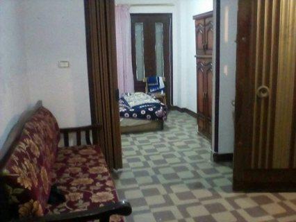 شقة للبيع بمنطقة ميامي شارع يوازي عبد الناصر و العيسوي