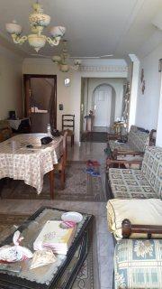 شقة للبيع بمنطقة المندرة شارع موازي للبحر شايفة بحر