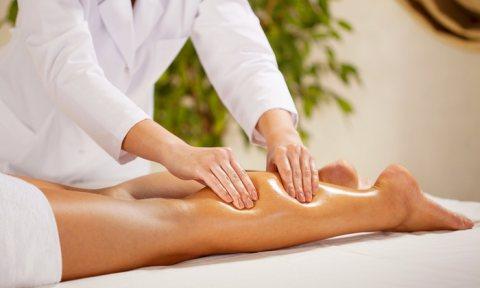 مدربات علاج طبيعي ومساج