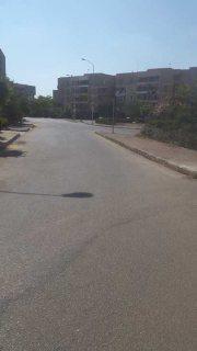 شقه للبيع 127م بالحي الثامن ( عمارات الجهاز ) بمدينة 6 أكتوبر