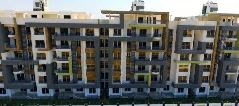 شقه للبيع 145م فى كنز حدائق اكتوبر Apartments For Sale in Compound kenz