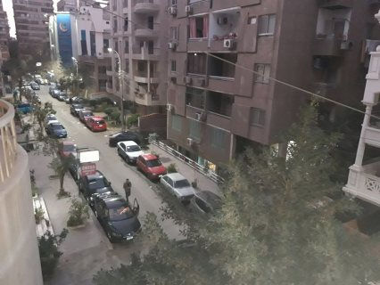 شقة هاى كلاس للبيع بأرض الجولف بمصر الجديدة