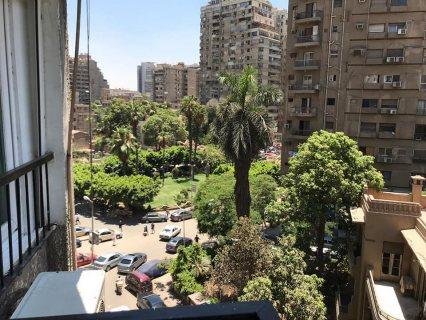 للبيع شقة بميدان المساحة بالدقي تطل على الميدان مساحة ١٥٠ متر