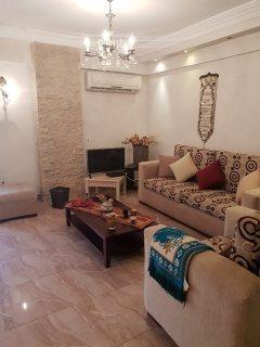 شقه للبيع 250م بسعر رائع بالقريه السياحيه الرابعه بالقرب من مول العرب.