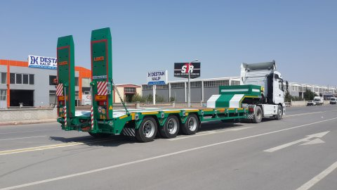 Lowbed semi-trailers