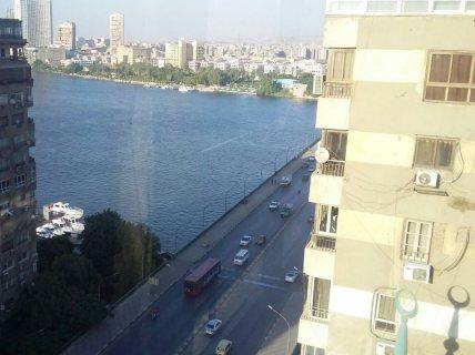 شقة هاى كلاس للايجار او البيع بموقع مميز ترى النيل على كوبرى الجامعة
