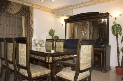 شقة مفروشة 300م للايجار بشارع مكرم عبيد الرئيسي بجوار #السلاب مدينة نصر