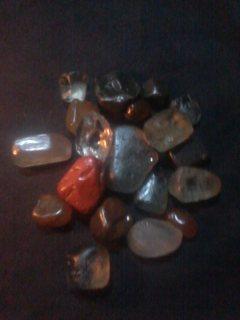 تصفية 18 حجر كريم انواع مختلفة تضم الياقوت والزمرد والتوباز والزبرجد وانواع اخرى