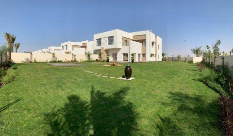 تملك فيلا 5 غرف بالشارقة بمقدم 10% واقساط على 36 شهر بعد الاستلام فيلا 5 غرف