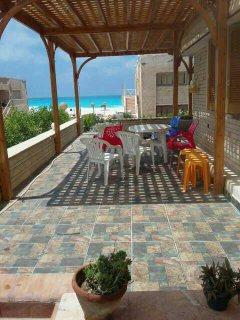 شاليه تاني صف من البحر بقرية زمردة السياحية بالساحل الشمالي