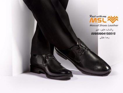 معمل إنتاج أحذية وصنادل ونعالات جلدية للرجال