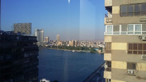 للشركات والمراكز الكبرى شقة سوبر لوكس للبيع بفيو النيل بالجيزة