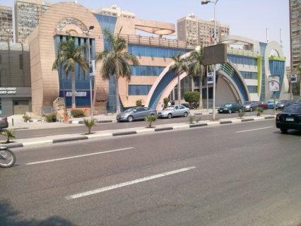 محل تجارى للايجار بموقع متميز ع كورنيش النيل بالمعادى