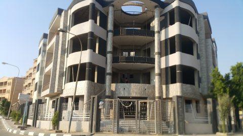 شقة للبيع بمساحة 250م  بمدينة العبور