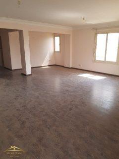 شقه للبيع 180 متر بكمبوند بيفرلي هيلز سوديك الشيخ زايد بسعر مميز جدا