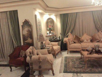 للايجار بالزمالك شقة على النيل 2 غرفة + 3ريسبشن + 2حمام + مطبخ مسجلة شهر عقارى