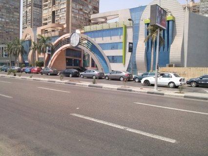 مطعم للايجار بكورنيش المعادى بالقرب من البنك الاهلى وفودافون