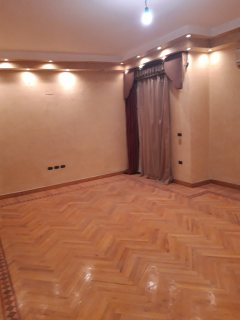إستلم فورا شقة تشطيب فاخر بموقع متميز بأرض الجولف - مصر الجديدة