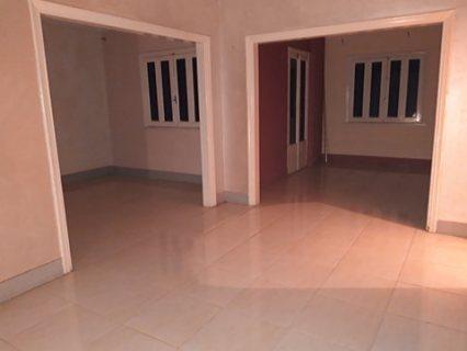 للشركات والمراكز الكبرى شقة سوبر لوكس للايجار بموقع متميز بالقرب من رمسيس