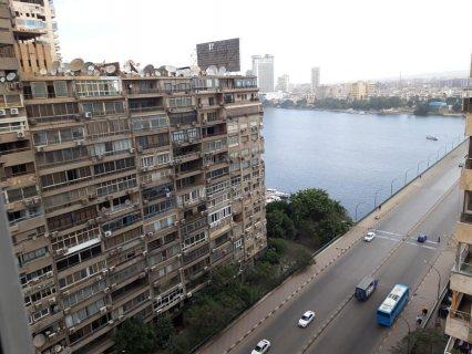 للبيع / الايجار شقة فاخرة بفيو النيل على كوبرى جامعة القاهرة