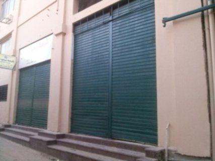 محل تجارى للايجار بمنطقة تجارية متميزة بالقرب من رمسيس