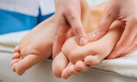 علاج الم القدمين ARIS SPA