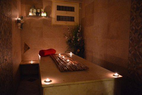 حمام مغربي مع مدربات مصريات ولبنانيات وعراقيات
