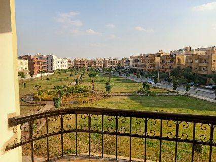 شقة للايجار بالتجمع الخامس بفيلات الحي الخامس  بالقرب من سعودي ماركت