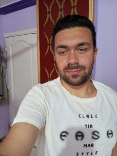 محمود كمال ٤١ سنة ٠١٠٦١٥٤٨٥٨٣