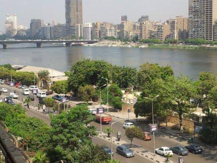 شقة سوبر لوكس للايجار بفيو النيل بموقع متميز بشارع البحر الاعظم