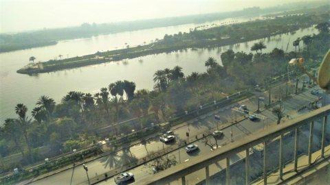 شقه للبيع على النيل مباشر اطلاله ممتازه