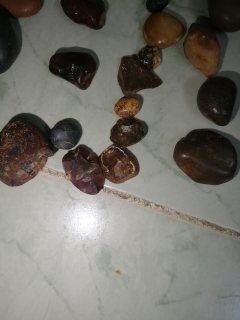 مجموعة قيمة من الاحجار الكريمة
