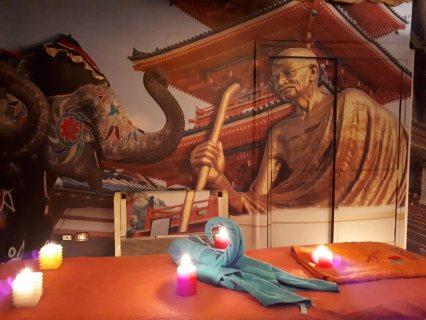غرفة غاندي لجلسة مساج في أجواء حضارية -   الألوان تمنحك الطاقة الايجابية